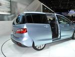 Семейный автомобиль Mazda 5