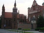 wileńskie kościoły oraz pomnik Adama Mickiewicza przy Maironio gatve