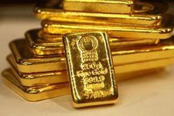 Золото снижается на фоне роста курса доллара на Форекс