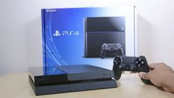 У Sony PS4 появился фирменный пульт ДУ