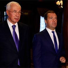 Прости-прощай – эксперты об итогах встречи премьеров Медведева и Азарова