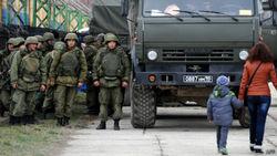 Медведев готовит финансовую помощь крымчанам