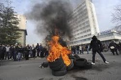 Народный волнения на улицах городов Боснии