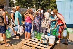 В Луганске критическая ситуация – боевики все еще стреляют