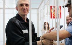 Бизнес-партнер Ходорковского Лебедев выходит на свободу