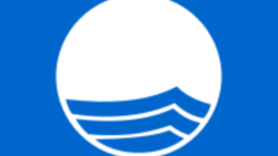 Пустым пляжам Крыма власти присваивают международные награды