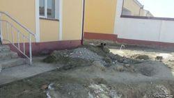 Построенные в Навои Узбекистана президентские дома разваливаются