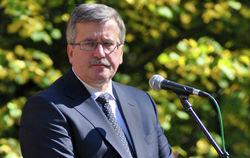 Президент Польши Коморовский предлагает дать Киеву частичную отсрочку по СА