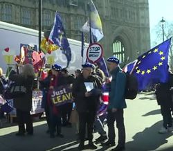 Голоса британцев на референдуме разделились почти поровну – опрос