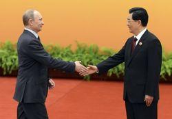 Китай не спешит протягивать руку помощи кризисной России
