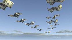 Эксперты говорят о стремительном оттоке инвестиций с российского фондового рынка