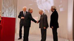 Руководитель Левада-центр Лев Гудков получил немецкую премию правозащитников