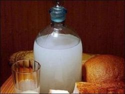 Россияне переходят с легальной водки на суррогат и контрафакт