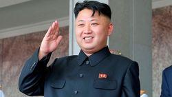 Ким Чен Ын жив и впервые с начала сентября предстал перед телекамерами