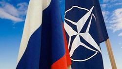 НАТО полностью свернула практическое сотрудничество с Россией