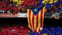 """Фанаты """"Барселоны"""" – за независимость Каталонии"""