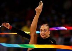 Гимнастка Годунко продает медаль чемпионки мира, чтобы помочь силам АТО