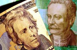 Гривна укрепилась к доллару на межбанке