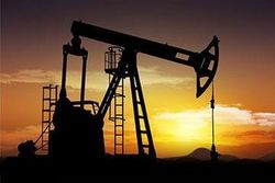 Цена нефти может опуститься до 30-50 долларов за баррель – эксперт