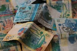 Курс тенге укрепился к евро и иене