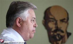 Вождь коммунистов Украины на стадионе «пугал» власть миллионами подписей за ТС