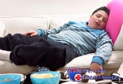 Нехватка либо излишек сна чреваты набором лишнего веса