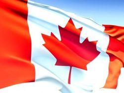 Люди с дубинками ворвались в посольство Канады, - МВД