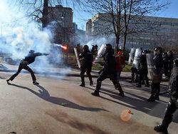 Евросоюз может ввести войска в охваченную беспорядками Боснию
