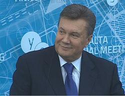 Украина может помочь Сирии уничтожить химоружие - Янукович