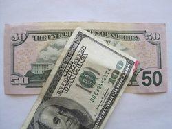 Курс доллара США снизился к мировым валютам на фоне роста безработицы