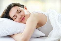 Ученые опровергли миф о «естественном сне» человека