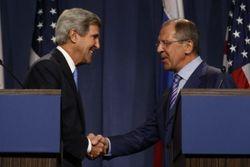Лавров акцентировал Керри на необходимости возврата в правовое поле на Украине