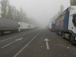 Затор из фур образовался на границе с Беларусью