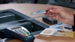 У рабочих Нуристона нет возможности пользоваться пластиковыми карточками