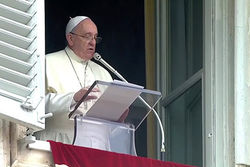 Папа Римский нецензурно выругался, говоря о ситуации на Украине