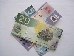 Курс доллара США к канадскому доллару на Форекс снижается на позитивных данных по заработной плате в Канаде