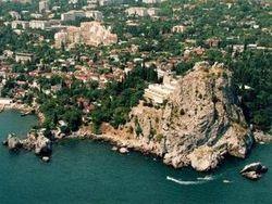 В Крыму не будут бесплатно раздавать земельные участки, как «при Украине»