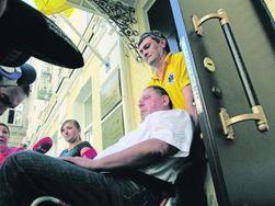 Адвокаты обещают оправдание милиционерам, виновным в бегстве Петра Мельника