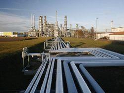 Эксперты спорят, как обрушение цен на нефть скажется на Украине