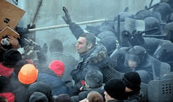 Революция в Украине перешла в активную стадию