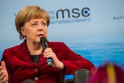 Ангела Меркель  объяснила причину своей поездки в Москву 10 мая