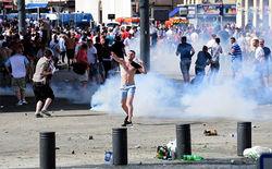 В Марселе продолжаются столкновения между фанатами