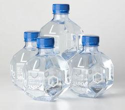 Вода в пластиковых бутылках содержит более 24 тысяч опасных химикатов - ученые
