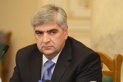 Львовский облсовет забрал полномочия у ОГА и выселил чиновников из офисов