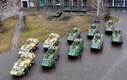 Аваков презентовал 10 современных БТР для Национальной гвардии