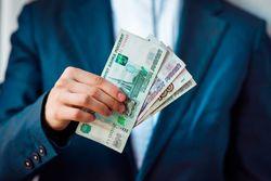 Работодатели в России поднимут зарплаты немногим