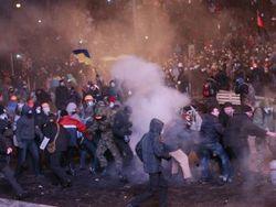 Посольство Узбекистана в Киеве советует не спорить о политике и не фотографировать Майдан