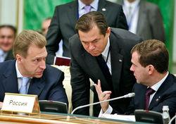 Советник президента РФ Глазьев настаивает на отказе от доллара