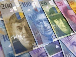 """Швейцария возвращает деньги """"Семьи"""" Януковича в Украину"""