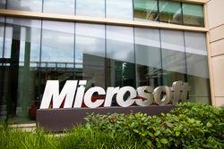 Для передачи изображения со смартфона на ТВ Microsoft готовит Miracast-донгл